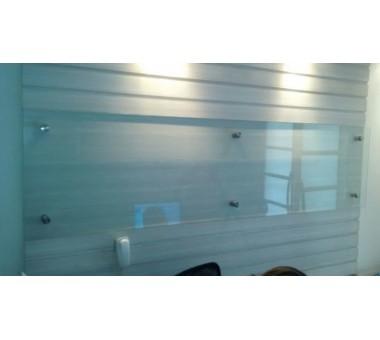 Painel De Vidro Instalado Com 06 Prolongadores