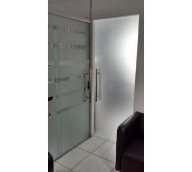 Porta De Correr + Porta Pivotante